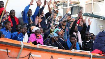 Barco Aquarius llega a aguas españolas tras el rechazo de Italia