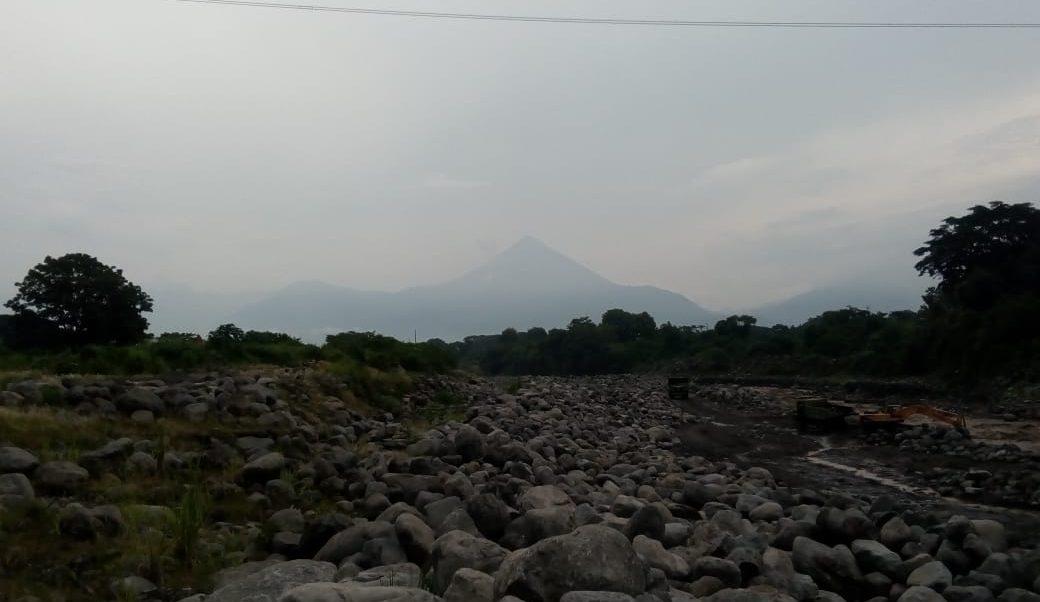 Alertan descenso lahar volcán Santiaguito Guatemala
