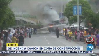 Camión Incendia Queda Envuelto Llamas China