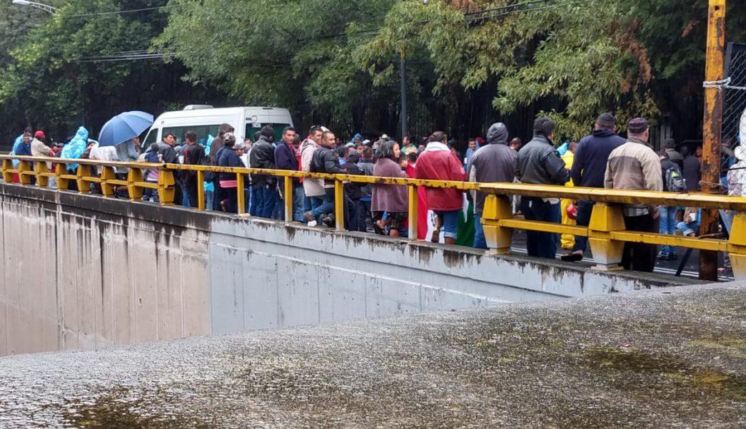 Manifestantes bloquean Reforma y Chivatito en ambas direccioneS