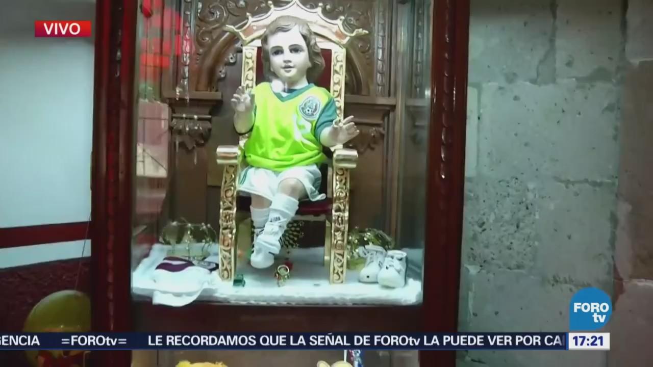 Devotos esperan que el Niño Dios Futbolista