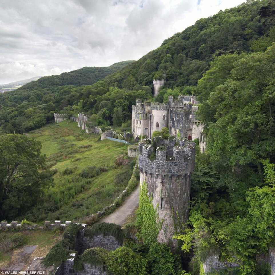 foto-castillo-doctor-aficionado-cuentos-hadas-rescata-castillo-ingles