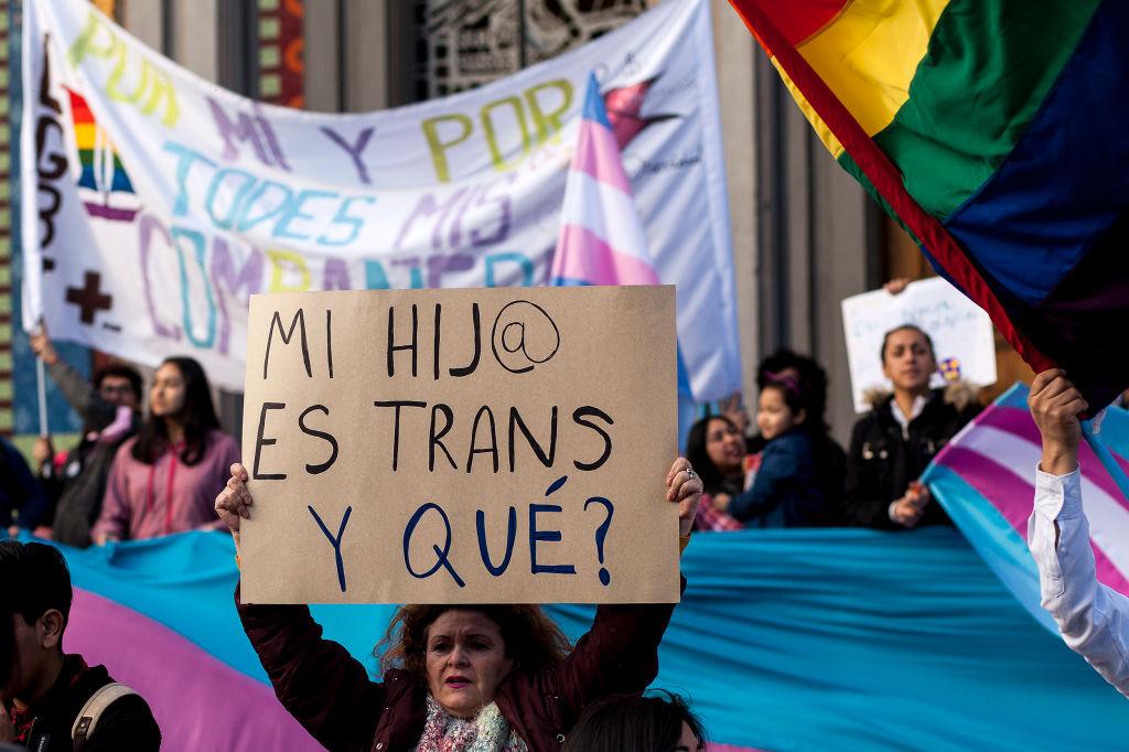 """Niños y niñas trans no llegan a los 14 años, se suicidan"""": activista – Noticieros Televisa"""