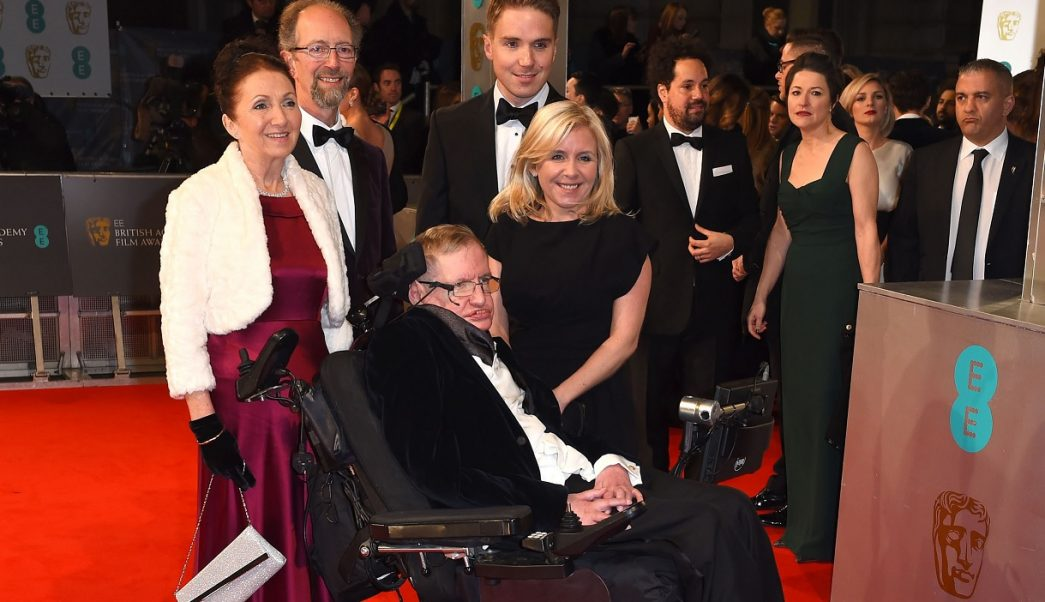 Hija Stephen Hawking pensaba que iba a durar para siempre