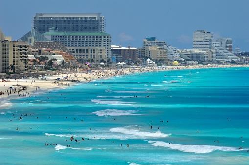 fuerzas federales y estatales vigilan quintana roo y yucatan durante vacaciones
