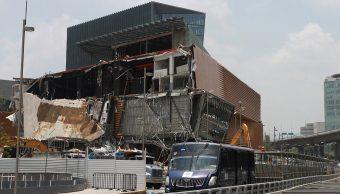 Declaran cinco personas por colapso en plaza Artz Pedregal