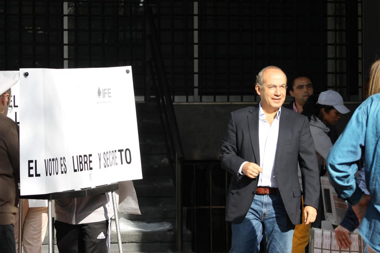 Felipe Calderón Denuncia delito electoral casilla votó