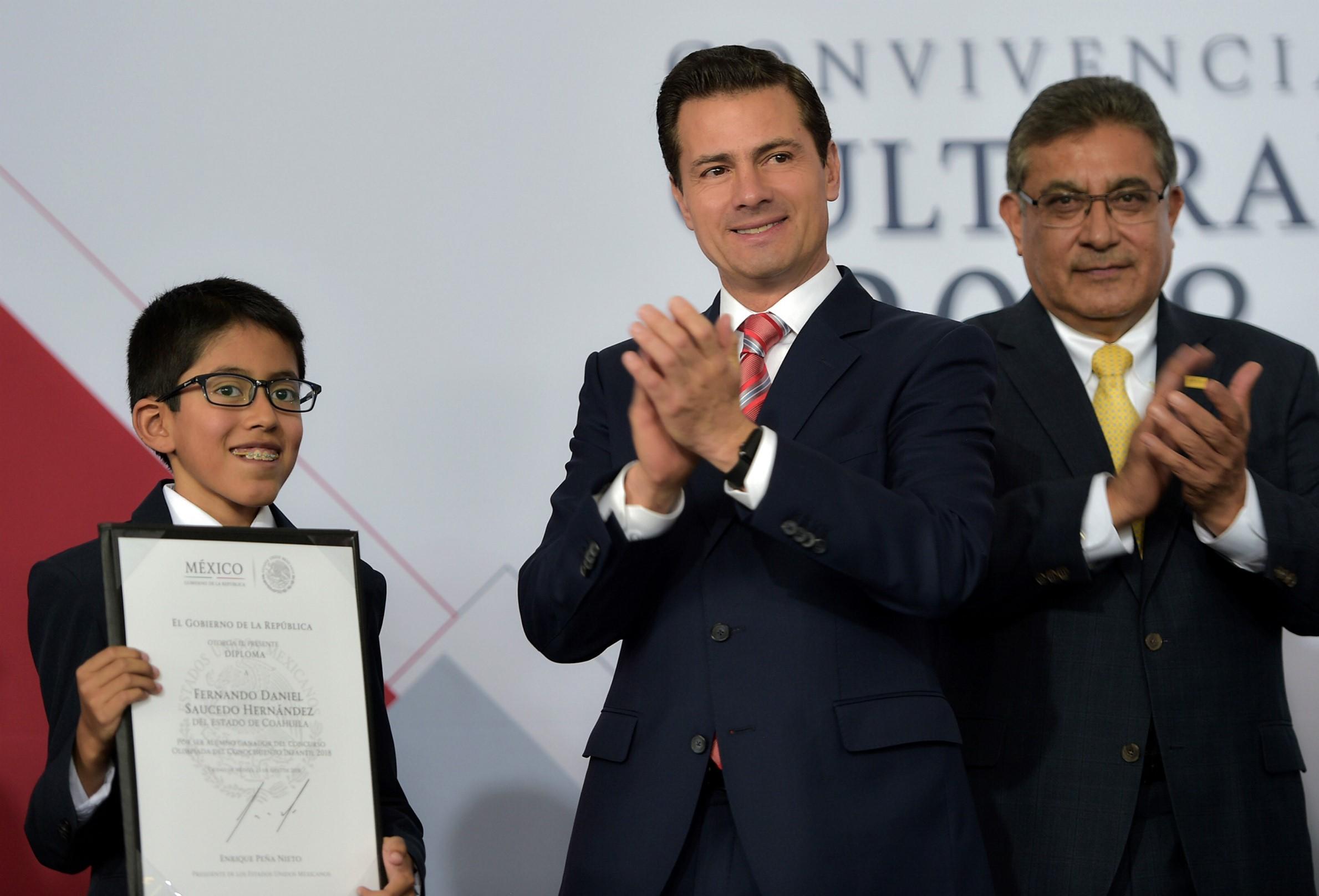 Peña Nieto defiende alcances de la reforma educativa