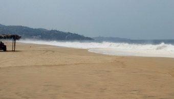 Huracán 'Fabio' provocará oleaje elevado en costas de Colima
