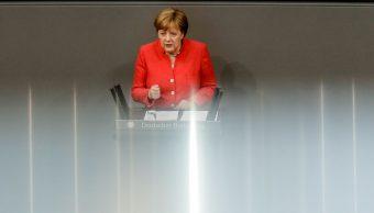 Merkel apoyaría rebajar aranceles europeos sobre autos de EU
