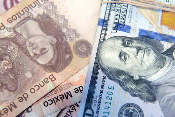Peso mexicano y BMV cómo cierran hoy 27 de julio