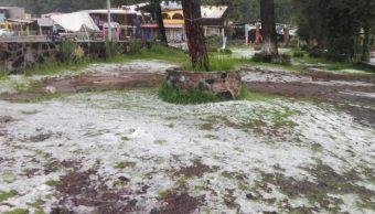 Granizada sorprende habitantes en la Picacho-Ajusco