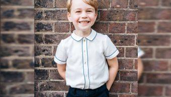 Publican fotografía del príncipe Jorge por quinto cumpleaños