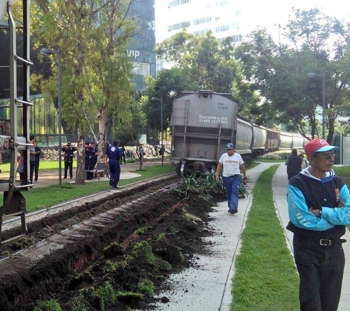 Descarrilamiento de tren en la CDMX, por fisura en el riel