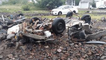 Tromba provoca deslave en Morelia, arrastra autos y daña viviendas