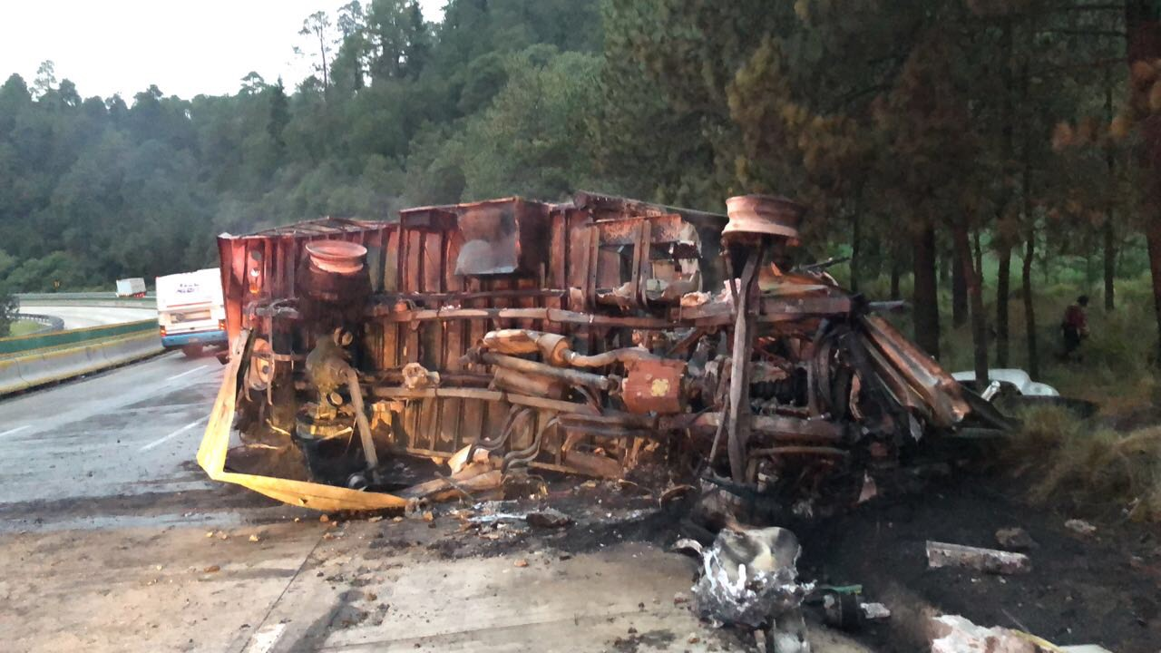 Accidente en autopista México Puebla deja cuatro lesionados, dos graves