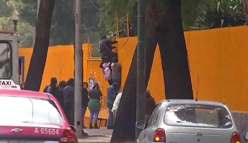 CCH Azcapotzalco mantiene 'paro activo' por tercer día