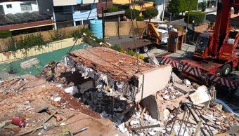 Remoción de escombros en el Colegio Rébsamen (Twitter/@SOBSECDMX)