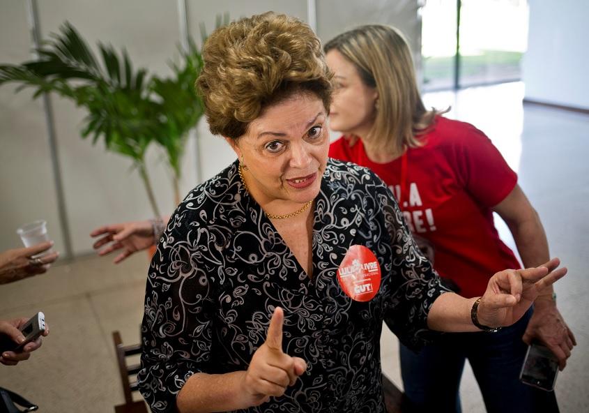 Rousseff presenta su candidatura al Senado de Brasil