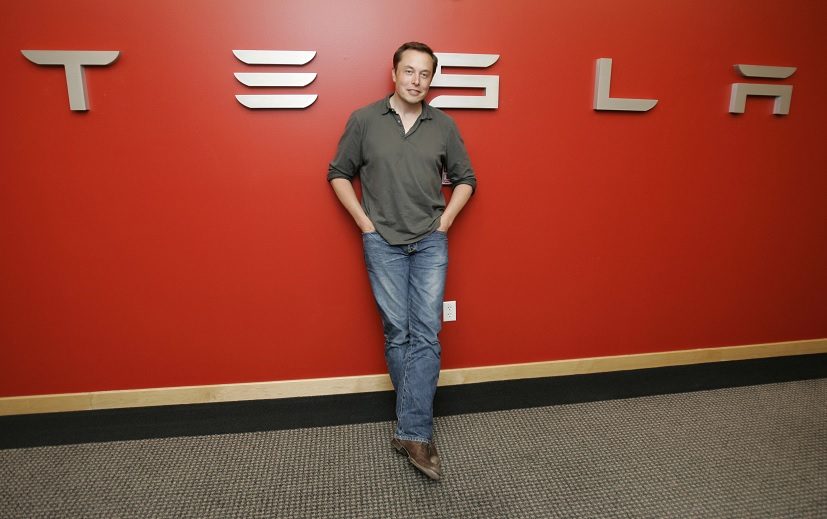 Elon Musk considera retirar Tesla bolsa Nueva York