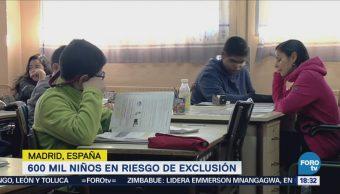 En España, niños son obligados a quedarse en casa