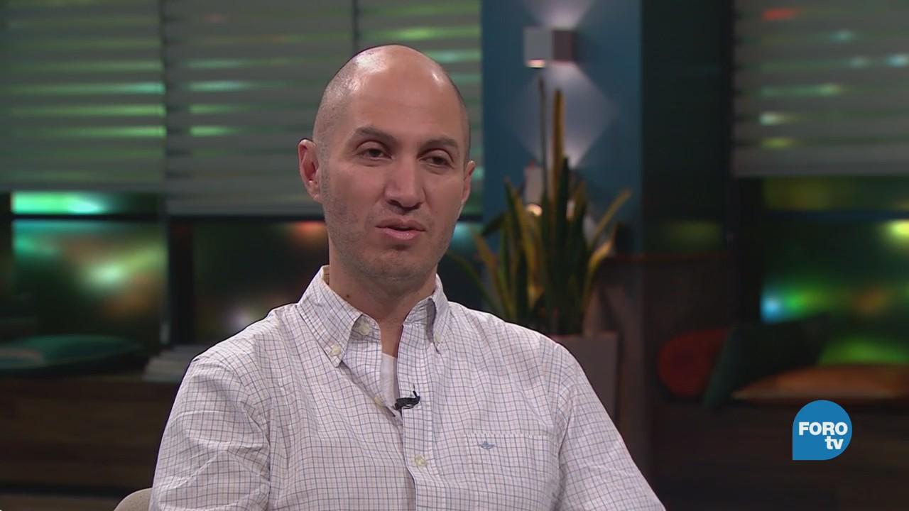 Genaro Lozano entrevista a Adrián Meléndez