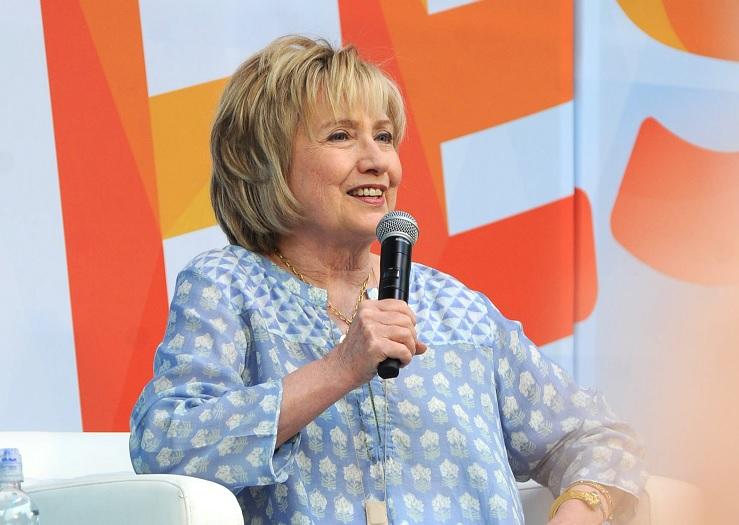 Hillary Clinton debutará como productora de TV con Spielberg