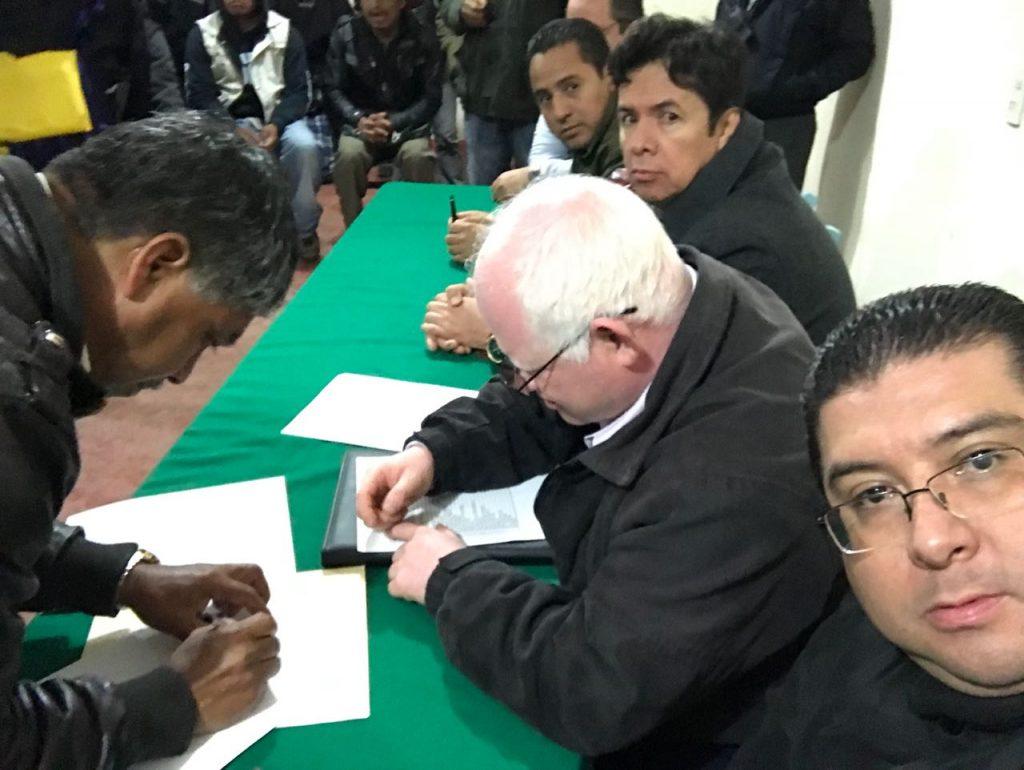 Indígenas tzotziles de Chiapas retienen a nueve funcionarios