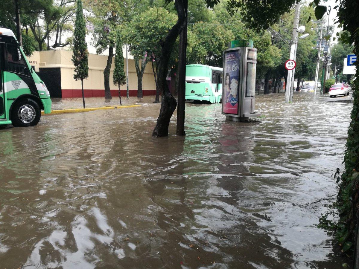 Lluvias provocan encharcamientos e inundaciones en CDMX