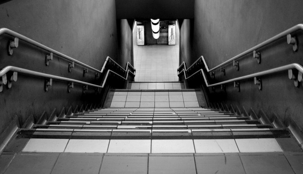 Video-Mujer-evita-violación-metro-gas-pimienta