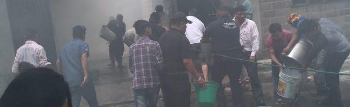 Niños encerrados en cuarto mueren tras incendio en Tultepec