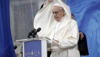 Papa Francisco se despide de Irlanda con un 'mea culpa'