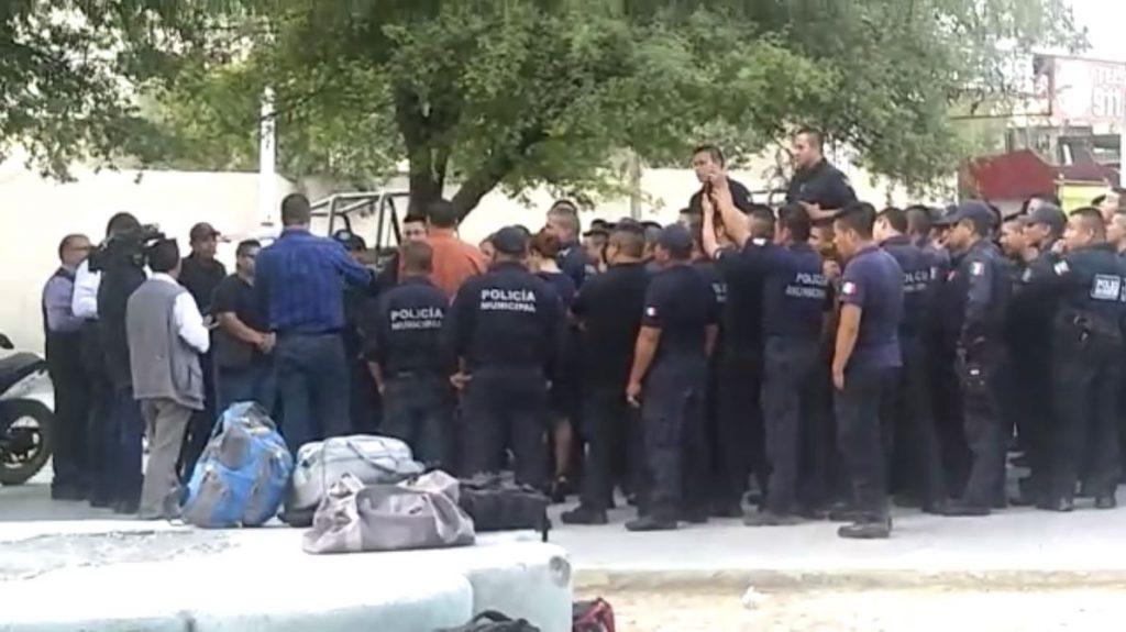 Policías de Nuevo León realizan paro de labores para destituir titular SSP