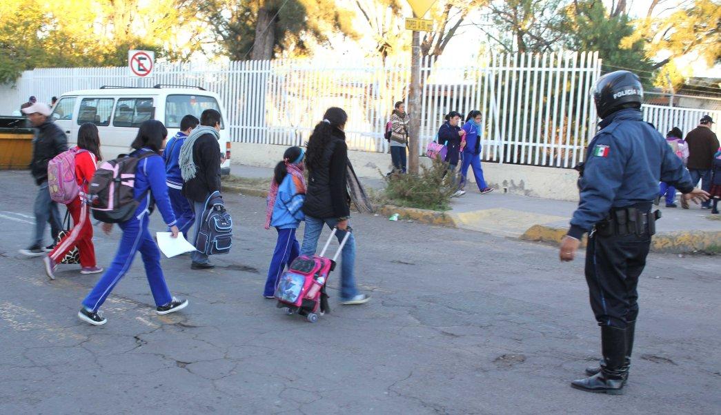 Regresan a clases este lunes más de 25 millones de alumnos en México