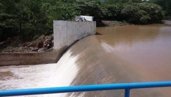 Intenso calor en Veracruz afecta niveles de presa Yuribia