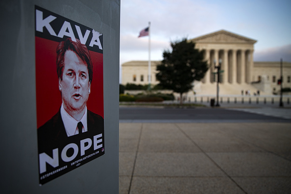 Presunta víctima de Kavanaugh accede a testificar ante Senado de EU