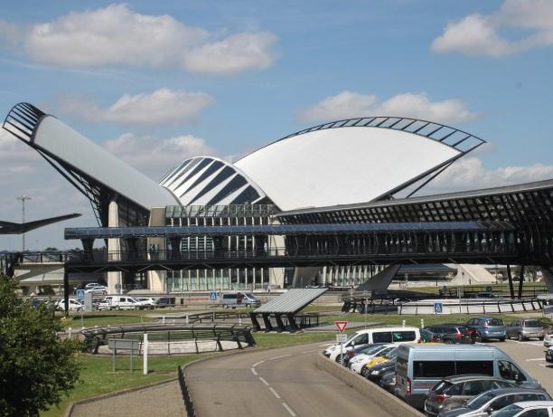 Aeropuerto de Lyon con persecución policial deja un detenido