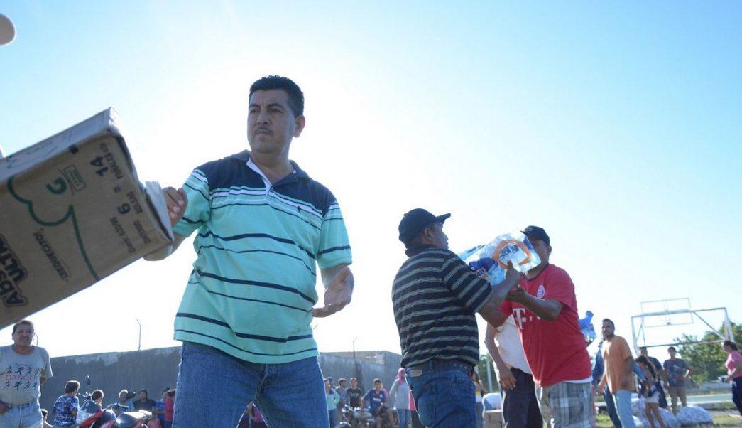 Marina lleva ayuda a población afectada por lluvias en Sinaloa