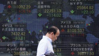Bolsas de Tokio y mercados en China, a la baja por sector tecnológico