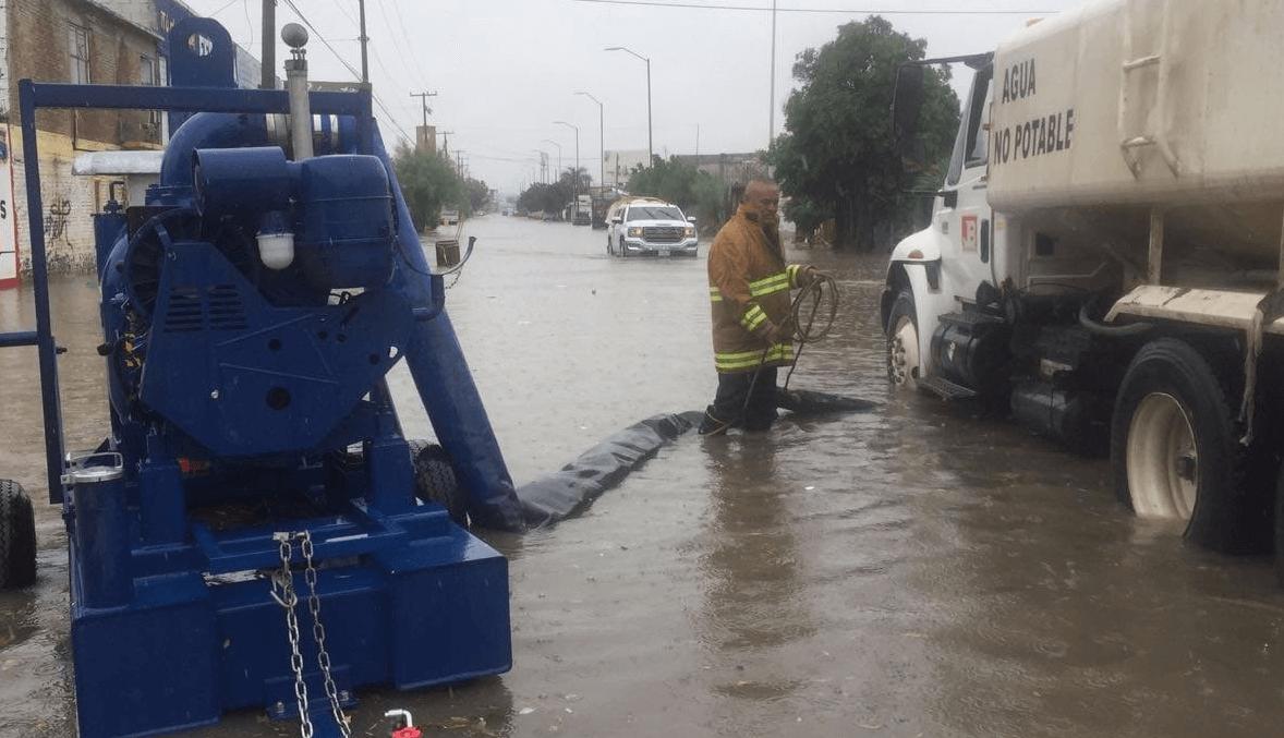 Tormenta deja inundaciones en Chihuahua y Torreón