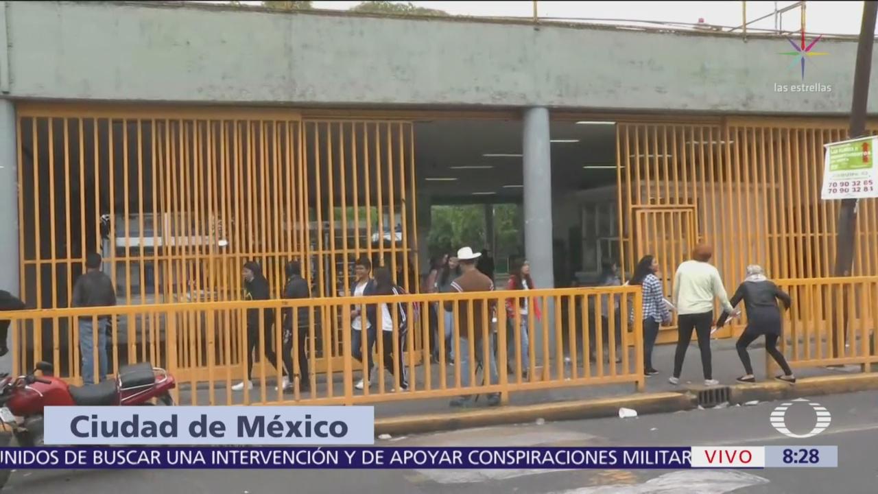 Estudiantes de la Prepa 7 de la UNAM regresan a clases