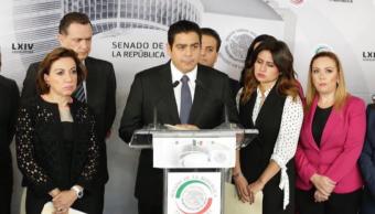 Senador García Cabeza de Vaca se disculpa por chat misógino