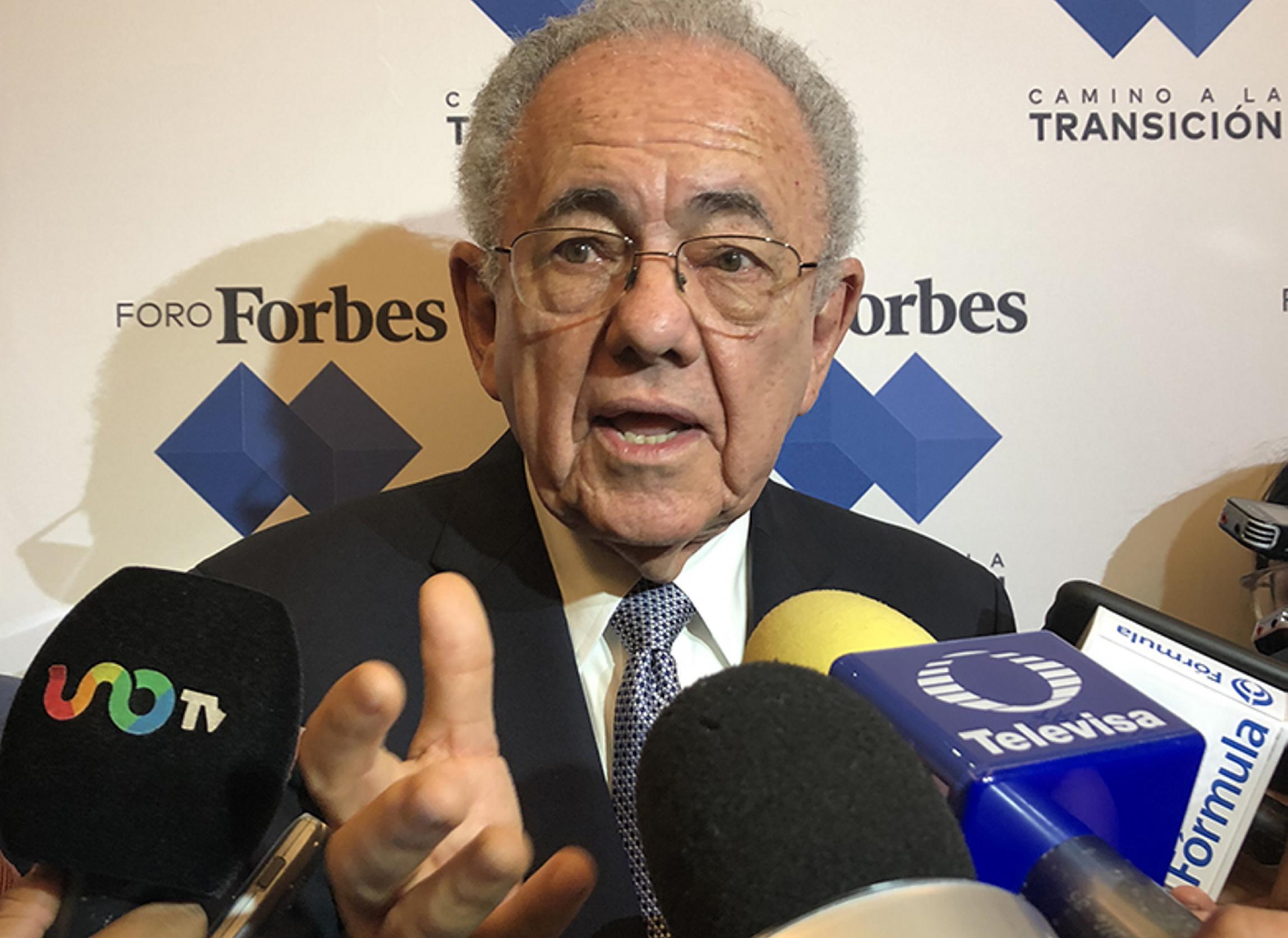 Si una de 2 opciones de aeropuerto no es viable, no habrá consulta, dice Jiménez Espriú