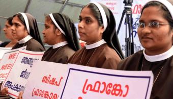 Vaticano suspende a obispo acusado de violación en India