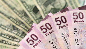 Peso mexicano gana el jueves, se recupera de caída mensual