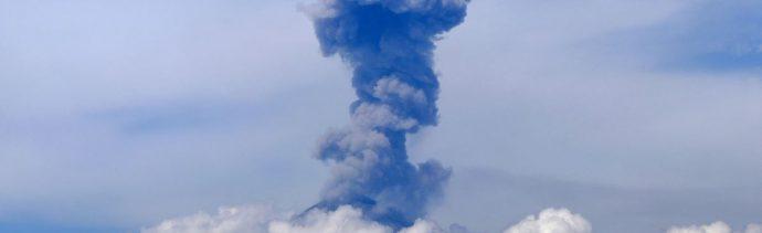 ¿Qué hacer en caso de caída de ceniza de volcán?