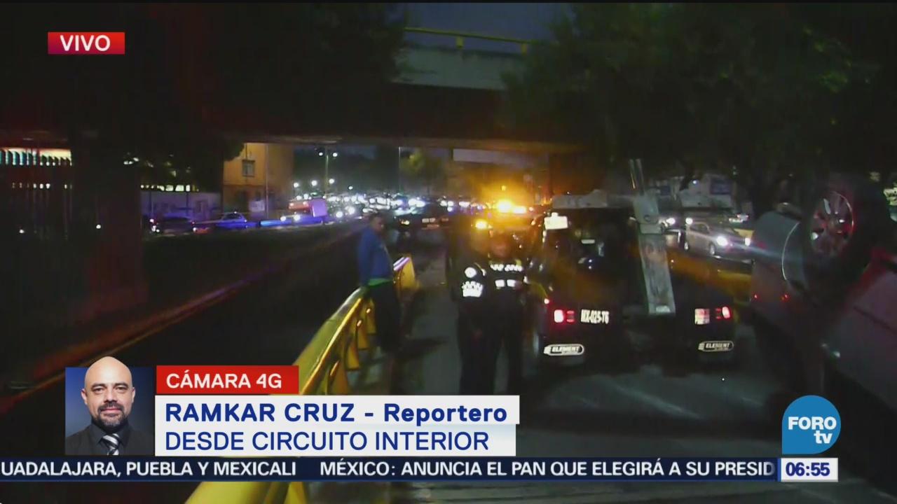 Vuelca vehículo en Circuito Interior, CDMX