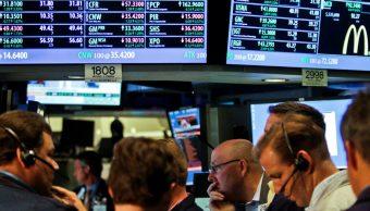 Wall Street opera estable, sube sector tecnológico