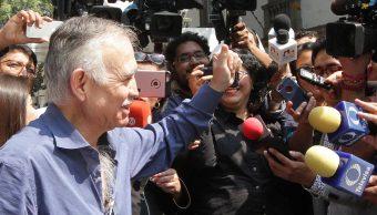 Alfonso Romo: Nervios de la consulta del aeropuerto, 'como cuando te corta la novia'