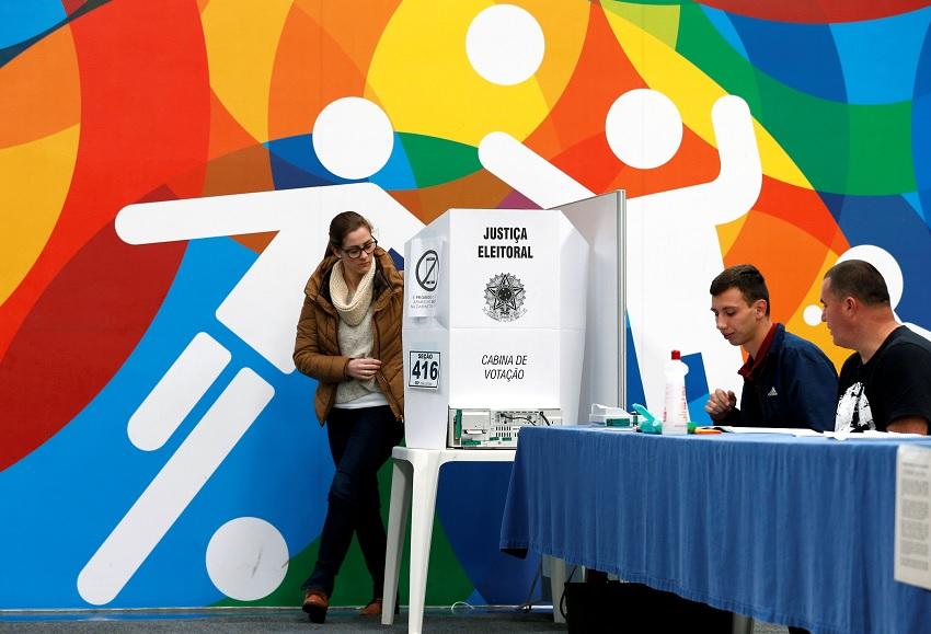 Brasil realiza los comicios más polarizados en décadas